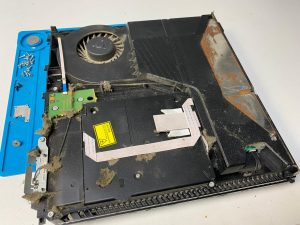 Reparatii PS4 Xbox Consola foarte plina de praf | iDroid Solution Repair Timisoara