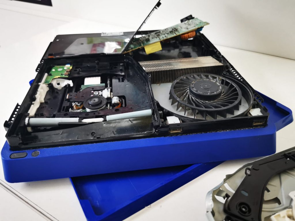 Reparatie PS4 dupa un soc mecanic | iDroid Timisoara